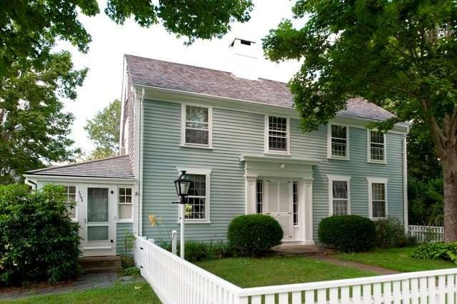 Historic new england protects private house in dartmouth for New england style homes