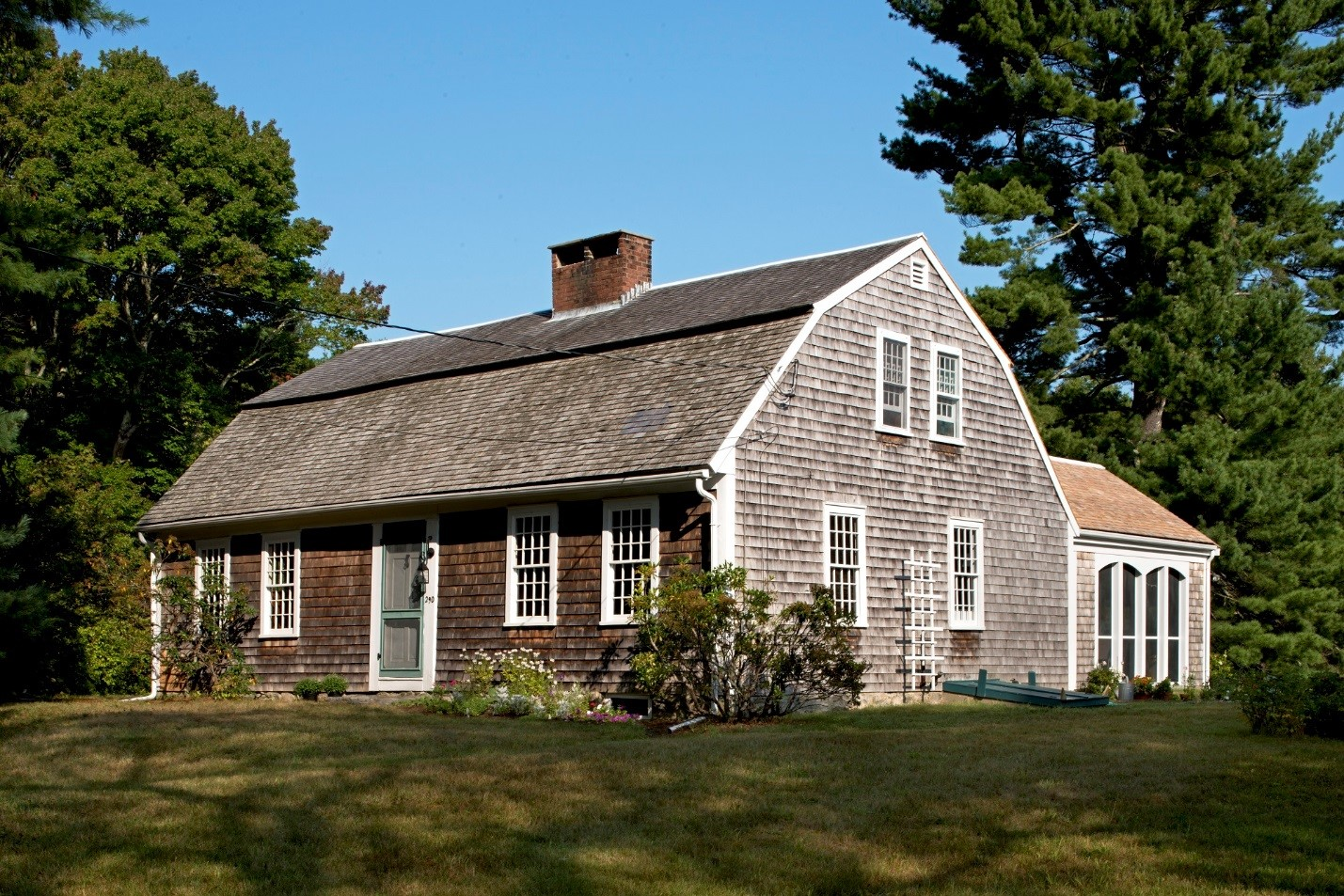 Recompense magoun house for sale in pembroke mass for Old homes for sale in england